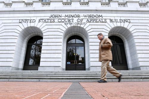 Appellate court raises new threat to Obamacare