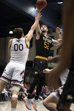 Winthrop upsets No. 18 Saint Mary's 61-59