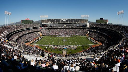 Raiders have 're-engaged in talks' to play in Oakland next season