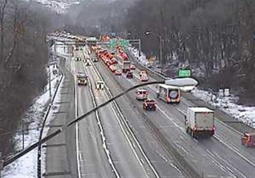 TRAFFIC: Parkway East lane restriction in place after car goes over hillside