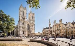 UK tourism experiences major drop in visitor numbers