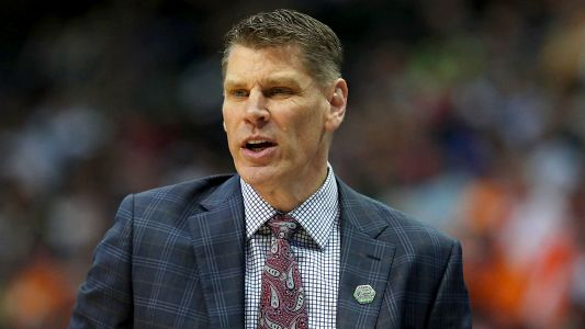 Loyola-Chicago coach furious after bus got lost, made team late for practice