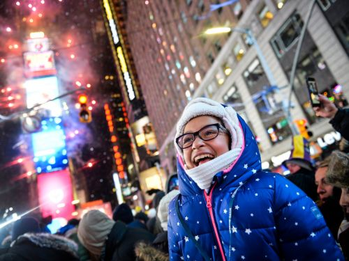 These store and restaurant chains will be open on New Year's Eve and New Year's Day. See how different retailers are ringing in 2019