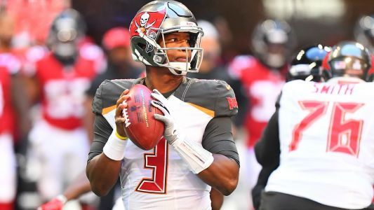 Watch: Buccaneers' crazy play in last seconds vs. Falcons almost works