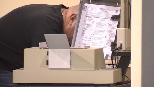Palm Beach County ballot counting machines break down, recount delayed