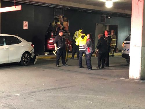 Car crashes through wall of CVS parking garage in Monroeville