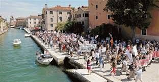 Venice tourist tax draws anger among cruise industry