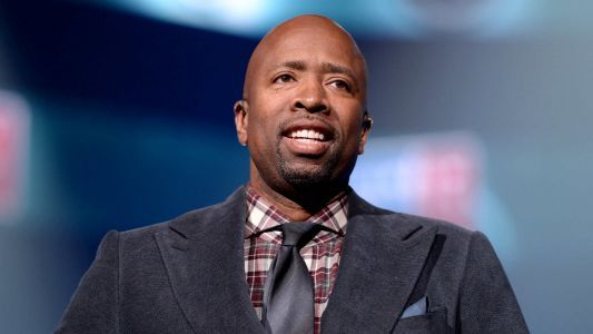 Knicks to interview TNT analyst Kenny Smith for coaching job, report says