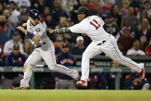 Astros start fast; beat Red Sox 7-3 for 10th straight win