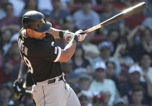 White Sox rally after blowing lead in 8th, beat Boston 8-7