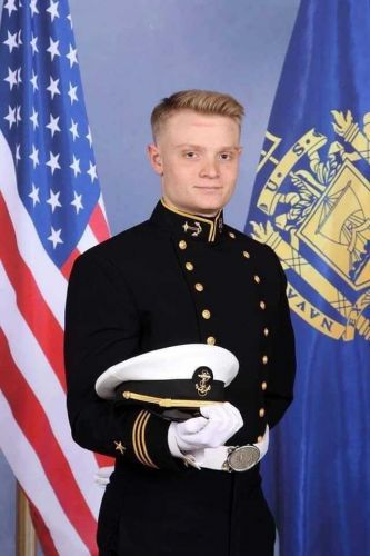 'He died a hero': Sailor killed in deadly Pensacola shooting credited with saving lives