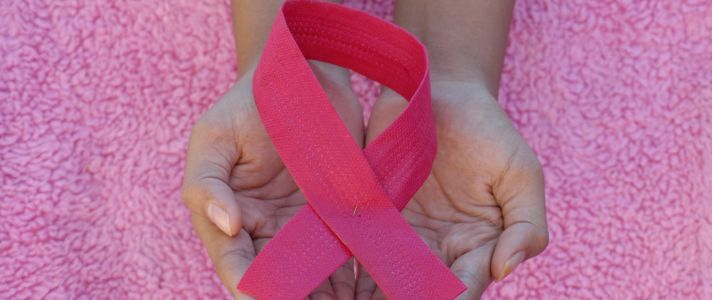On Wednesdays Sézane Wears Pink For Breast Cancer Awareness