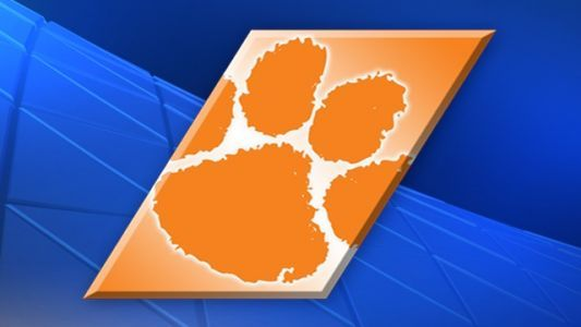 Clemson's Grantham out for rest of season with torn ACL