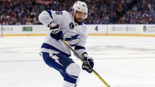 Nikita Kucherov injury update: Lightning star leaves game with upper-body injury