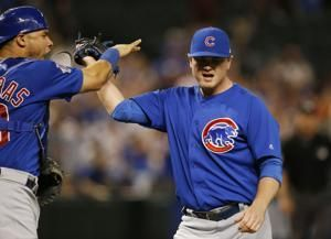 Hendricks takes shutout into 9th, Cubs beat D-backs 5-1