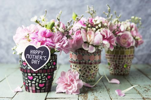 Mother's Day Gift Guide: Ideas for What to Get Your Mom This Year
