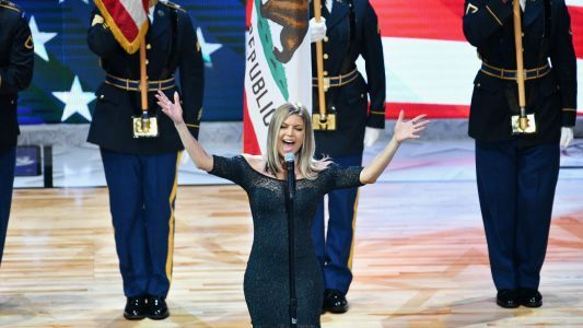 NBA All-Stars hilariously react to Fergie's bizarre national anthem