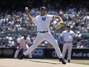 More Mo: Rivera revels on Old-Timers' Day at Yankee Stadium