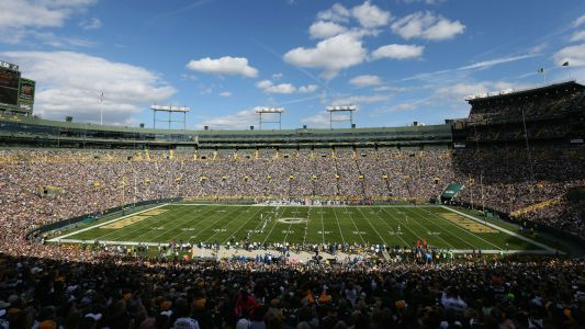 Packers investigating unexpected helicopter flyover at Lambeau Field during preseason game