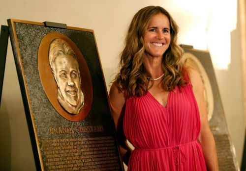 Plaque of soccer icon Brandi Chastain draws cringes