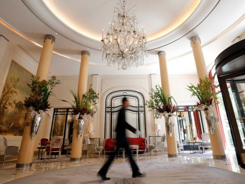 8 things that happen at 5-star hotels that employees don't want you to know
