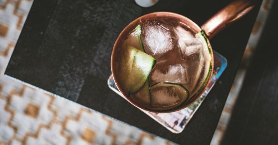 Do Copper Moscow Mule Mugs Actually Make Your Drink Taste Better?