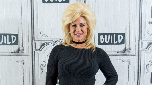 'Long Island Medium' Star Theresa Caputo's Weight Loss Is Inspiring - Here's How She Did It!