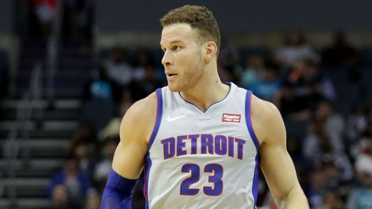 Pistons' Blake Griffin uses tablet to argue call with referee
