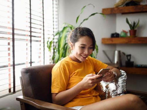 Virtual beer pong and Zoom dinner dates: 9 creative ways millennials are staying connected with their friends while self-isolating at home