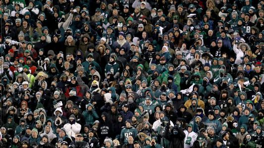 Watch: Eagles fans clash with police ahead of NFC championship game