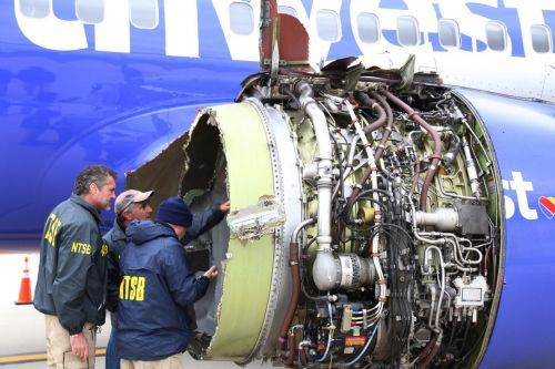Southwest passengers seen wearing masks incorrectly as plane lost pressure