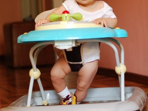 Doctors are calling for a ban on baby walkers after study finds they still cause serious injuries