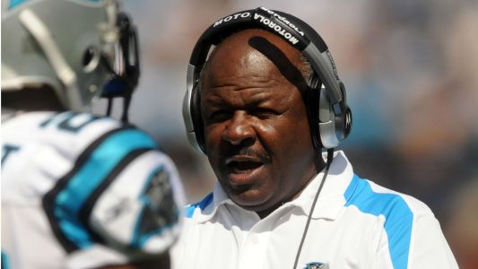 Panthers RB coach Jim Skipper retires