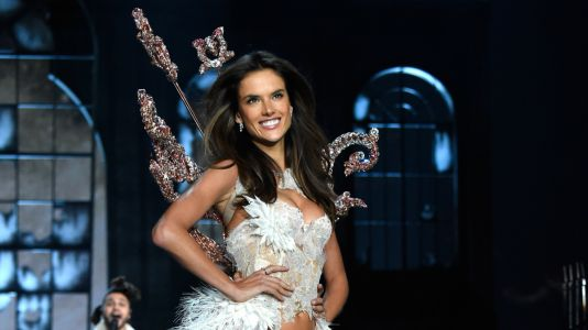 Alessandra Ambrosio Will Reportedly Walk Her Last Victoria's Secret Fashion Show in Shanghai