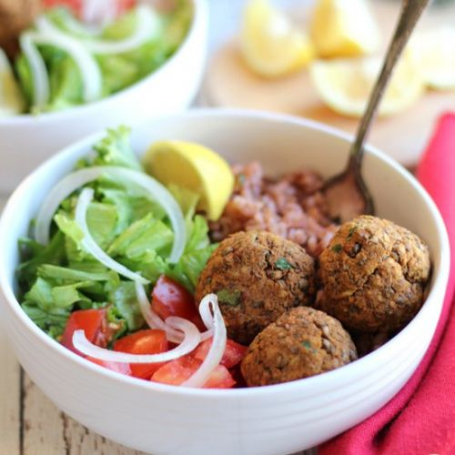 Lentil balls with zesty rice