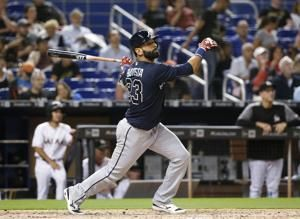 Mets sign Bautista, recently cut Braves, goes into lineup