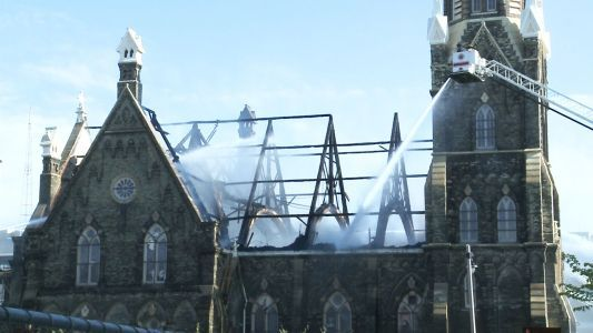 Flames engulf roof of oldest Lutheran church in Milwaukee in video