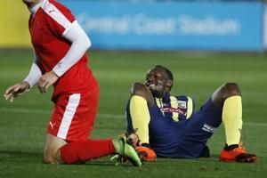 Usain Bolt makes soccer debut for Central Coast Mariners