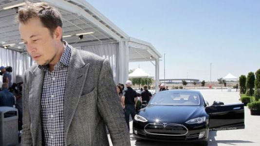 Tesla ties Elon Musk's compensation to company's performance
