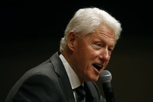 Democratic senator: Bill Clinton should've resigned over sex affair