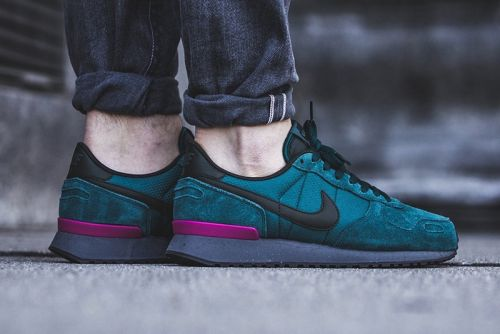 "The Nike Air Vortex Gets Fitted In ""Dark Atomic Teal"""