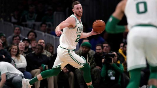 Celtics crush Cavs in Hayward's return; remain unbeaten at home