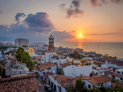 You can escape the cold and fly to Mexico for $230 round trip - here's how