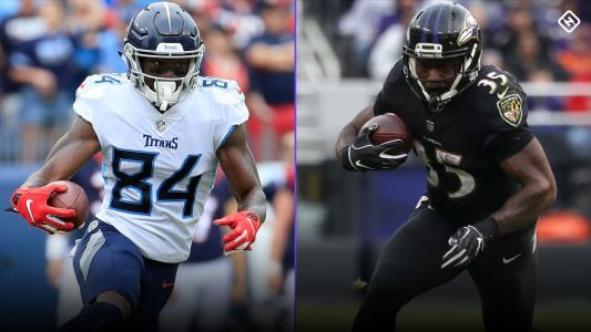 Week 14 Fantasy Stock Watch: Buy-low, sell-high targets ahead of fantasy playoffs