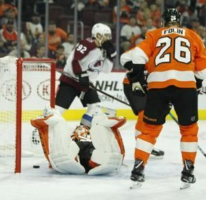 Rantanen scores twice, leads Avalanche past Flyers 4-1
