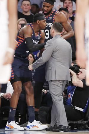 Knicks' Barrett out at least a week with right ankle sprain
