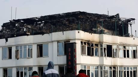 17 killed as fire hits hotel in New Delhi