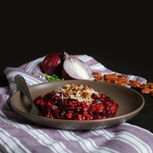 Risotto with groats and red beets
