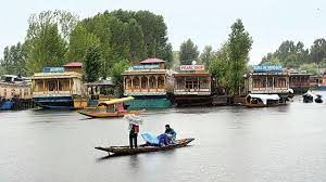 Scrapping of Article 370 spells doom for Kashmir tourism