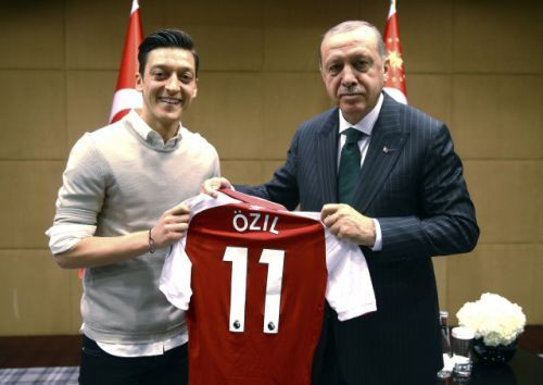 Mesut Ozil quits international competition, saying he's 'German when we win' but 'an immigrant when we lose'